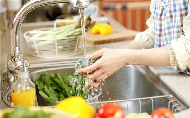 Mẹo làm sạch thực phẩm từ nước ion kiềm